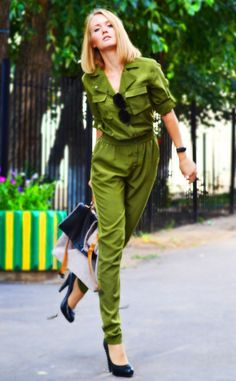 0ca921ceb178 Summer military chic look with olive green jumpsuit