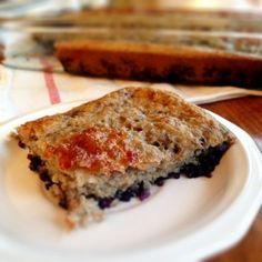 Healthy blueberry coffee cake- sugar-free, fat-free, and delicious. A Trim Healthy Mama (E) recipe! Healthy Sugar, Healthy Desserts, Atkins Desserts, Healthy Treats, Carb Free Snacks, Baking Power, Decadent Food, Diabetic Recipes, Healthy Recipes