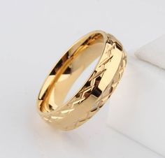 Promotion  gold ring wedding rings for men women pattern stainless steel couple jewelry wholesale 6mm