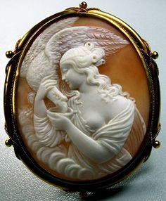 Леда и античная камея Swan