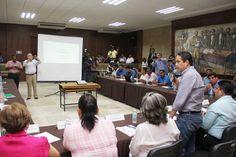 """Gobierno de Acapulco ] ACAPULCO, Gro. * 26 de mayo del 2016. El presidente municipal, Evodio Velázquez encabezó la sesión del programa """"Entorno y Comunidades Saludables"""", como parte del proceso de certificación del municipio como promotor de la salud, donde se trabaja de manera..."""