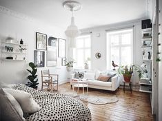 Awesome Tiny Studio Apartment Layout Inspirations 112