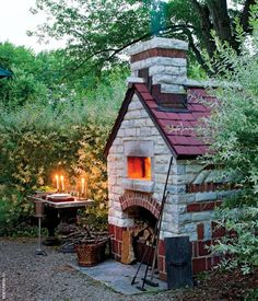 #Pizzaovens have recently become really popular in the landscape...I was ambivalent about them before I saw this adorable one that looks like a little cottage :) #landscapedesign