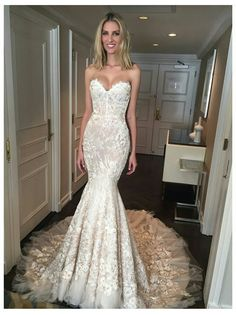 Strapless slim fitted wedding dress with a sweetheart neckline