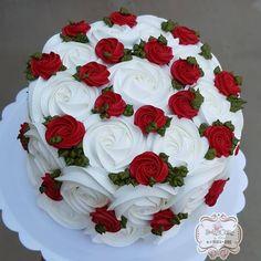 Ei salve esse pin e clique duas vezes. vc vai gostar das 70 receitas de geladinho gourmet que preparamos Cake Decorating Piping, Creative Cake Decorating, Cake Decorating For Beginners, Cake Decorating Techniques, Creative Cakes, Beautiful Birthday Cakes, Beautiful Cakes, Amazing Cakes, Food Cakes