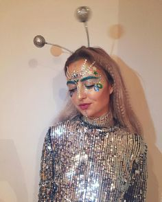 Hallowen costumes Alien glitter princess discoball on insta hallowen costumes , Alien glitter princess discoball on insta Alien glitter princess discoball on insta. Costume Halloween Alien, Costumes Alien, Space Costumes, Halloween Costumes For Teens, Diy Costumes, Costumes For Women, Halloween Halloween, Halloween Karneval, Girl Alien Costume