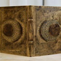 """Moon Book"" 🌛🌕🌜"