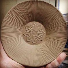 꽃 앞접시 #pottery #陶磁器 #ceramics #ceramicart #꽃 #그릇스타그램 #일상 #céramique #인테리어 #陶瓷 #도자기 #도예 #맛스타그램 #coffee#화분 #인테리어소품 #Handmade #artprocess #workinprogress #cerâmica #clay #일상 #instaart #Craft #Bowl #instagramart #맞팔 #korea #art