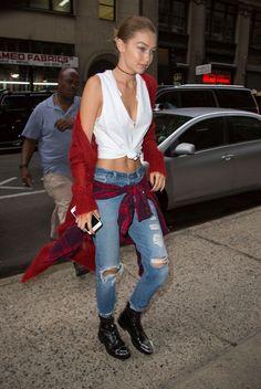 Gigi Hadid Street Style  New York Sep-2016 Celebstills G Gigi Hadid