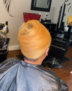 These are Hair Goals! Maintain Healthy Hair without losing length with Influance Hair Care professional products. Styling Credit to Influance National Educator care videos Blonde Silk Press Natural Hair Highlights, Blonde Natural Hair, Honey Blonde Hair, Blonde Highlights, Natural Hair Styles, Short Hair Styles, Blonde Color, Hair Color, Blowout Hair