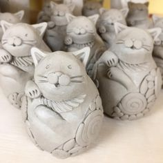 Raku Raku, Clay Art Projects, Pottery Animals, Play Clay, Pinch Pots, Maneki Neko, Clay Animals, Pottery Making, Cat Drawing