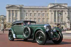 1930 Bentley Speed-Six Gurney Nutting Sportsman Coupe at St. James's Concours of Elegance 2013 Bentley Speed, Bentley Car, Bmw M4, Lamborghini Aventador, Vintage Cars, Antique Cars, Palais De Buckingham, Blue Train, Convertible
