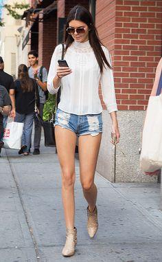 Kendall Jenner Saia Jeans Destroyed