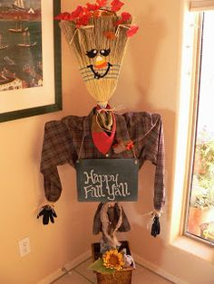 Scarecrow + Broom Scarecrow + Chalk board sign mythriftysister