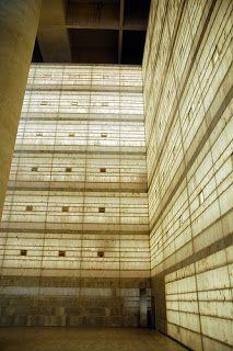 Sede de Caja Granada del Arquitecto Campo Baeza