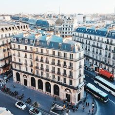 ook at the view from the @printempsdugout! 😍 Nothing compares to Parisian rooftops 👌 Great shot @lily__paris 🙌 #Paris #Parigi #巴黎 #パリ #파리