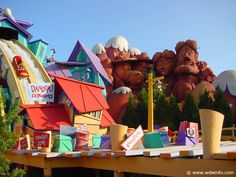 34-Dudley Do-Right's Ripsaw Falls
