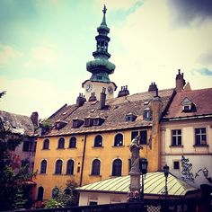 Prasna Basta ( Old Town) by frederico_amaral_ Bratislava Slovakia, Old Town, Cool Pictures, Cities, To Go, Louvre, Wanderlust, Holidays, Mansions