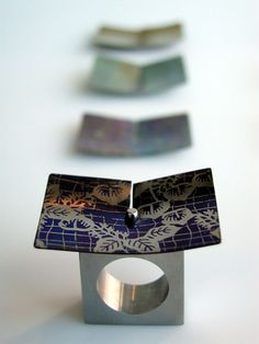 Dyed Metal Jewellery - sculptural ring designs with interchangeable plates; contemporary art jewelry \/\/ RikJuod