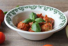 Greske kjøttboller med tomatsaus- kan gis fra 6 måneder   BARE BRA BARNEMAT   Bloglovin' Baby Food Recipes, Bra, Ethnic Recipes, Recipes For Baby Food, Bra Tops, Brassiere
