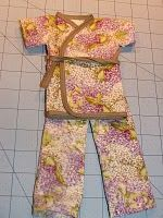 Tutorial: Kimono-style pajamas for any size baby doll · Sewing | CraftGossip.com