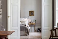 Style and Create — A pure beauty! That's how I find this apartment at Östermalm in Stockholm in a building from 1886 | Photo by broker Alexander White