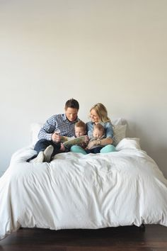 Harvard Homemaker – 125 Family & Sibling Photos: Posing Ideas & Inspiration