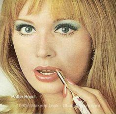 Pattie-Boyd-the-1960s-London-look.
