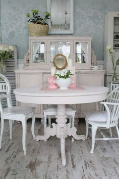 Shabby Chic Home Decor Shabby Chic Style, Cocina Shabby Chic, Shabby Chic Mode, Shabby Chic Dining, Shabby Chic Pink, Shabby Chic Kitchen, Shabby Chic Cottage, Vintage Shabby Chic, Shabby Chic Furniture