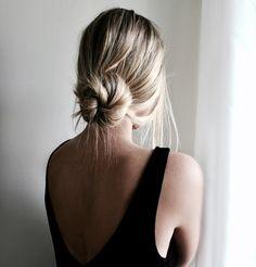 Sundays in a messy bun | Julia Linn Curly Hair Styles, Medium Hair Styles, Hair Medium, Low Messy Buns, Easy Low Bun, Simple Bun, Easy Bun Hairstyles, Updo Hairstyle, Wedding Hairstyles