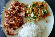 Hva er vel ikke bedre enn laks på grillen og sammen med en asiatisk salat gjør denne susen en varm sommerdag.