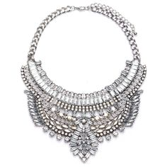 A gorgeous chunky chain and crystal bib collar necklace. A must have statement…