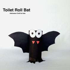 Toilet Roll Bat Need a simple kids Halloween craft, well this is a craft project for you! Quick Crafts, Crafts To Do, Fall Crafts, Kids Crafts, Craft Activities For Kids, Projects For Kids, Craft Projects, Halloween Crafts For Kids, Holidays Halloween