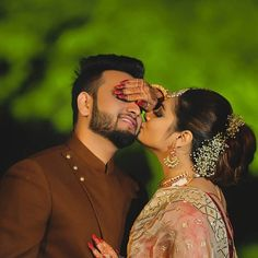 21 Ideas For Post Wedding Photography Indian Indian Wedding Poses, Indian Wedding Couple Photography, Pre Wedding Poses, Wedding Couple Photos, Couple Photography Poses, Pre Wedding Photoshoot, Couple Pictures, Wedding Shoot, Photography Courses