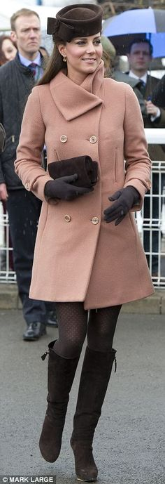 Twenty two weeks, March 15 A tailor moved the buttons on this coat so that Kate could fit into a favourite outfit by Joseph, which she wore to attend the Cheltenham Festival with a Lock &Company hat and Stuart Weitzman boots. Pippa Middleton, Princesa Kate Middleton, Kate Middleton Style, Race Day Outfits, Outfits With Hats, Dress Outfits, Dresses, Diana Fashion, Royal Fashion