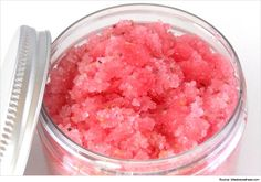 Know the factors that causes Cracked Heels / Heel fissures. Try these natural homemade foot scrubs to heal cracked heels and leave them well nourished, moisturized and free of dry skin and cracks.