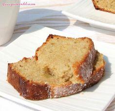 Cake à la compote de rhubarbe et amande