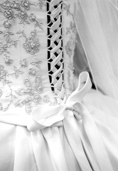 This is how I want the back of my wedding dress,