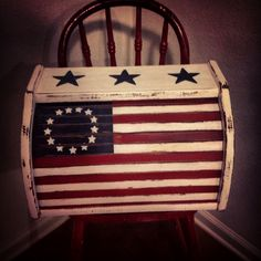 Easy of July Crafts That Celebrate America – of July – Grandcrafter – DIY Christmas Ideas ♥ Homes Decoration Ideas 4th July Crafts, Patriotic Crafts, Patriotic Decorations, Primitive Furniture, Primitive Crafts, Recycled Furniture, Americana Home Decor, Americana Bedroom, Americana Crafts