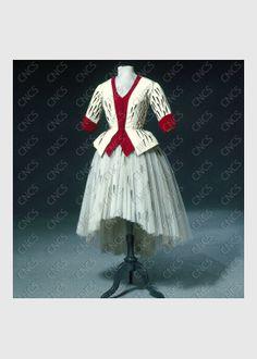 une biche | Collections du Centre National du Costume de Scène