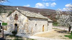 Donacija za srce Srbije - manastir Zočište na Kosovu zochiste monastery bruttaly destroyed by Albanians 1999 and rebuild by Serbs in 2006.Serbs fighting this torture for years defeating Christianity without much support from other Cristian's Countries!