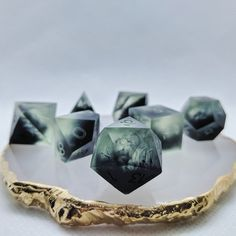 """""""Grave's Gift with sharp edges. I'm digging the smoky tendrils of corruption in the Perfect for a grave cleric or a necromancer. Numbers will be painted gold. Cleric, Necromancer, Tabletop Rpg, Tabletop Games, Dungeons And Dragons Dice, Dragon Dies, Resin Crafts, Diy Resin Dice, Dnd Characters"""
