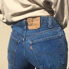 "838 gilla-markeringar, 6 kommentarer - Na Nin Vintage (@naninvintage) på Instagram: ""Vintage rare 70s orange tab Levi's 505s with straight leg and perfect high waist 28"" waist 32""…"""