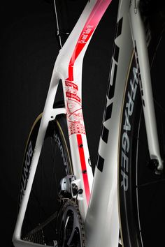 CONTADOR CUSTOM CELEBRATES RETURN TO TREK | TK17_Contador_P1_Emonda_Seat_Tube_Web