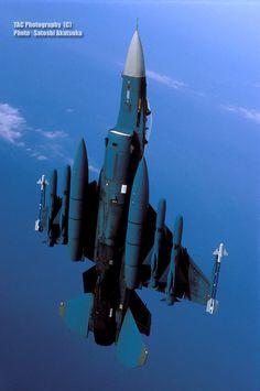 F-16                                                                                                                                                                                 もっと見る
