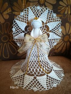 Burlap Wreath, Animals And Pets, Wreaths, Quilts, Knitting, Crochet, Christmas, Good Ideas, Ganchillo