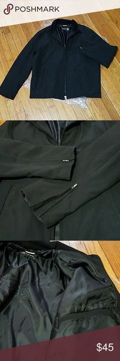 GUESS: Men's Coat Pre loved but In great condition. Zippers on the bottom of each sleeve for extra width. 1 inside pocket Express Jackets & Coats
