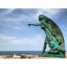"""@picciclod Rimini, """"L'alta marea cancellerà le mie impronte e il vento disperderà la schiuma. Ma il mare e la spiaggia dureranno in eterno   #myER_andMe: foto finaliste"""