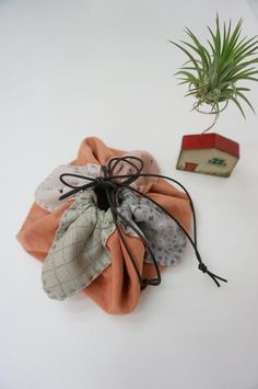 Small Makeup Bag DIY ~ DIY Tutorial Ideas!