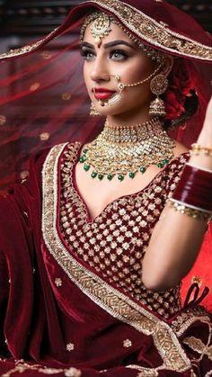Indian Bridal Photos, Indian Bridal Outfits, Indian Bridal Makeup, Indian Bridal Fashion, Indian Bridal Wear, Pakistani Bridal, Indian Wedding Bride, Wedding Mandap, Wedding Hijab